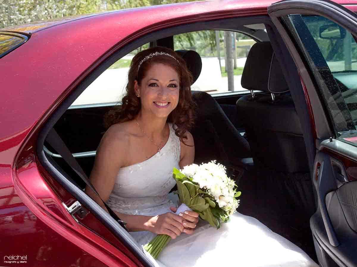 boda civil zaragoza salida de la novia del coche