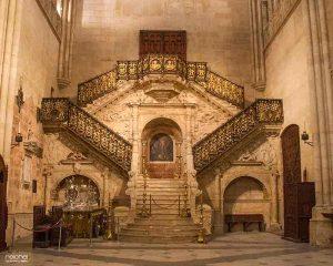 escalera doradda catedral de burgos