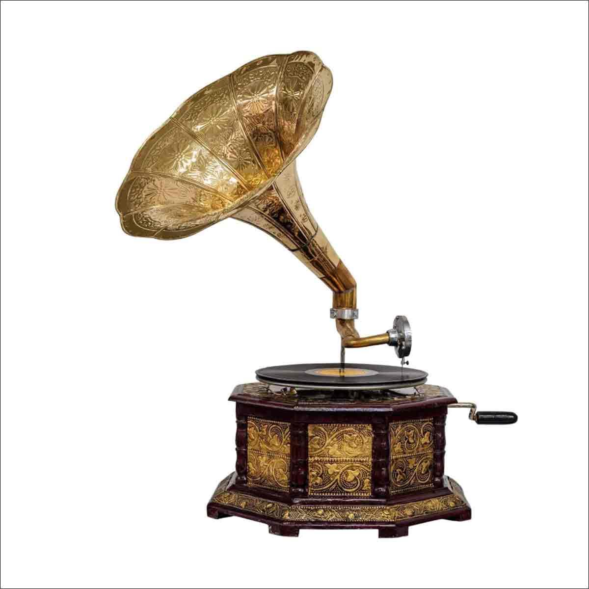 un gramofono antiguo