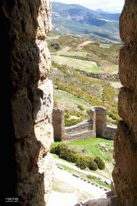 murallas del castillo de loarre